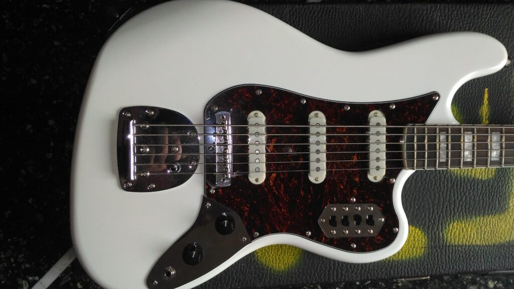 Body Squier Vintage Modified Bass VI