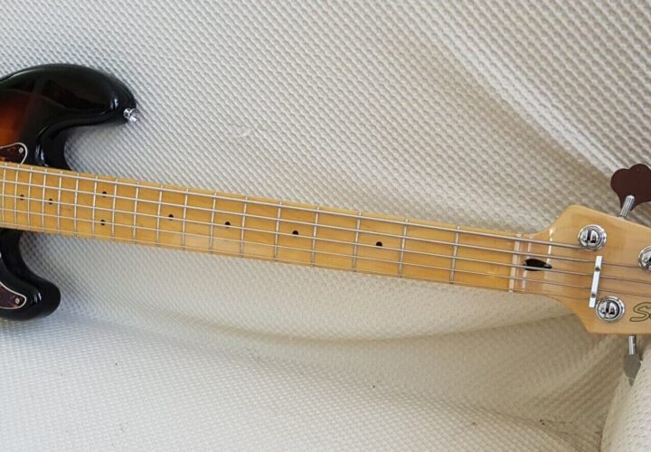 Recensione Squier Vintage Modified Precision Bass V
